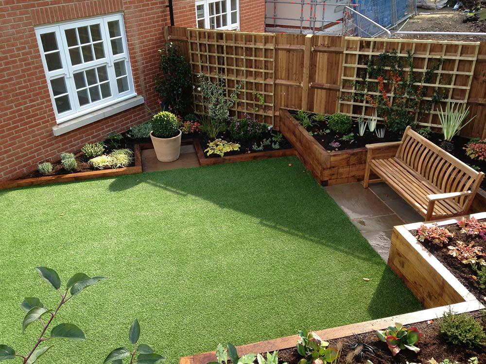 Linden Homes Show Garden Bushy Business